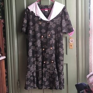 VINTAGE Wide Collar Floral Drop Waist Shift Dress